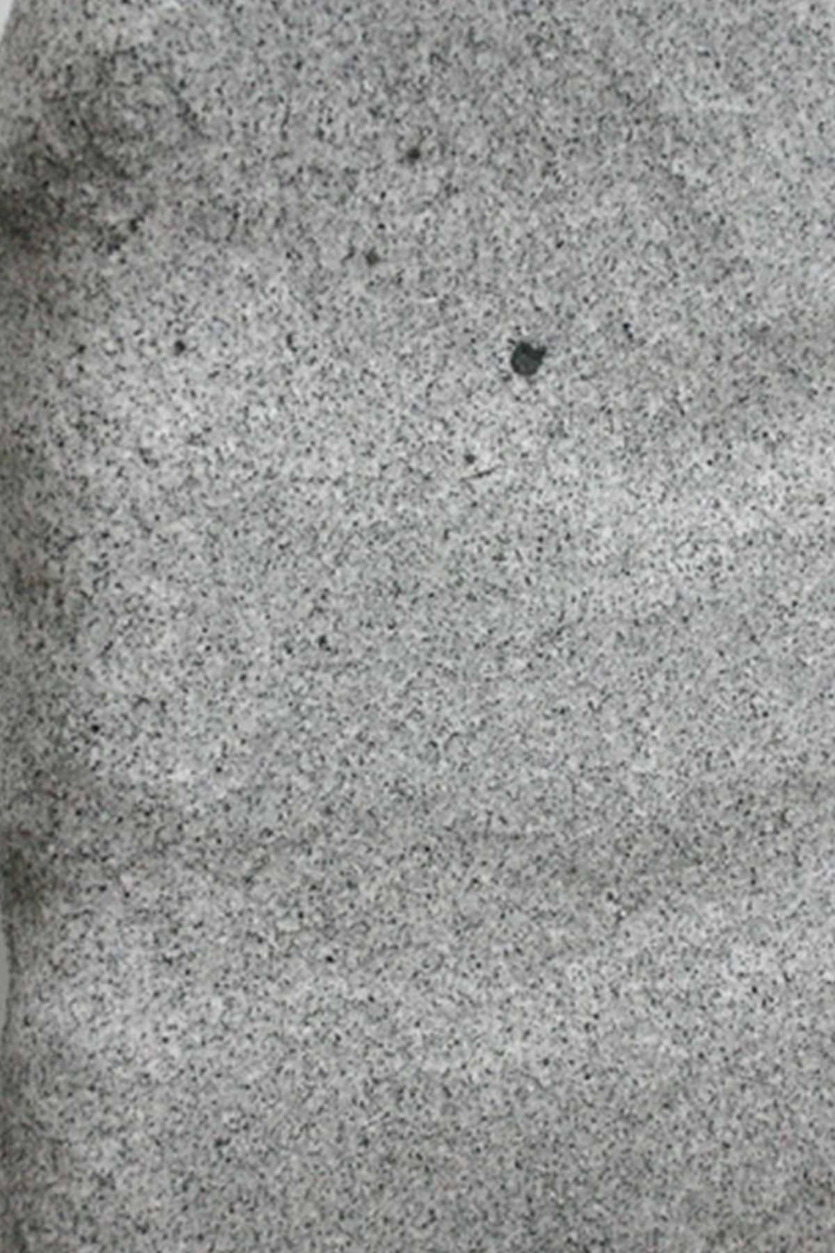 Granit weiss-grau gespalten